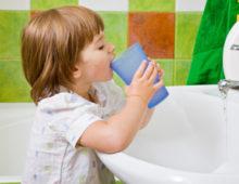 Как правильно подобрать детский ополаскиватель для полости рта?