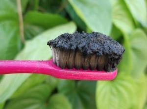 зубная паста с углем
