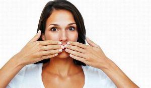 неприятный запах ацетона изо рта причины