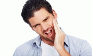 болит зуб и нерв