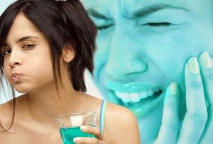 болят зубы при чистке зубов