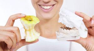 челюсть и яблоко