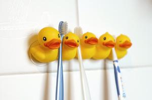 держатель для детских зубных щеток