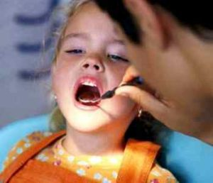 Обработка каналов зуба
