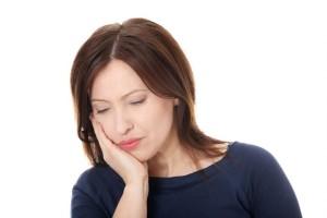 Болит в области щеки