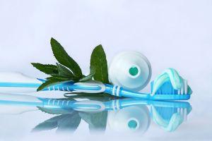 Зубная щетка на столе