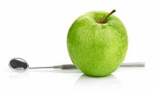 Яблоки полезны для зубов