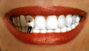 Человечек на зубах