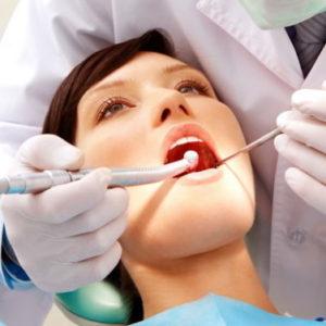 У стоматолога на приеме