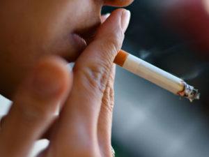Курение вызывает рак губы