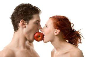 Яблоко на двоих