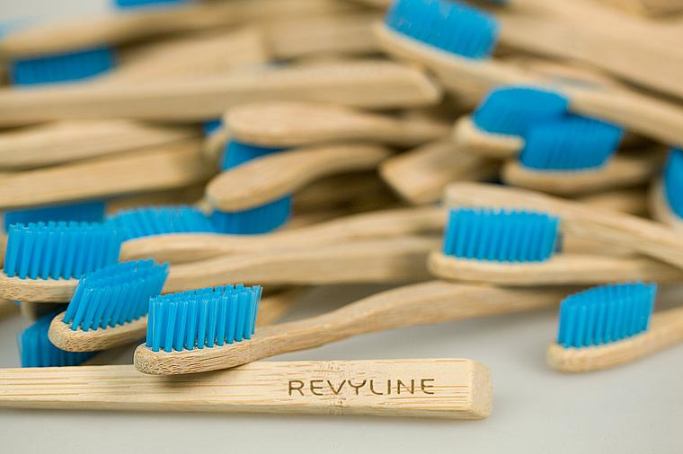 бамбуковая щетка Ревилайн